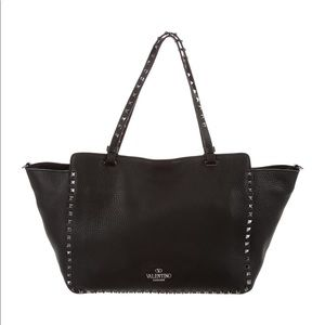 Valentino Garavani Rockstud Medium Trapeze Handbag